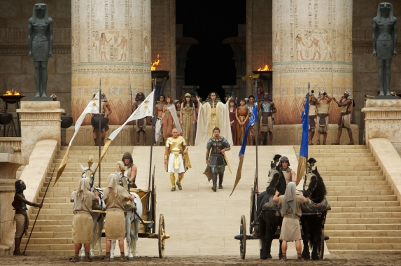 Exodus-Gods-and-Kings-7